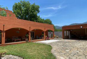 Foto de casa en venta en El Cercado Centro, Santiago, Nuevo León, 14894201,  no 01