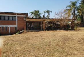 Foto de terreno habitacional en venta en Chamilpa, Cuernavaca, Morelos, 13091797,  no 01