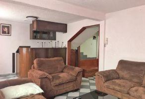 Foto de casa en venta en Campamento 2 de Octubre, Iztacalco, DF / CDMX, 19090542,  no 01