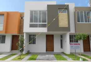 Foto de casa en venta en Arcos de la Cruz, Tlajomulco de Zúñiga, Jalisco, 15454590,  no 01