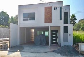 Foto de casa en venta en 5 de mayo , raul caballero escamilla, santiago, nuevo león, 17664114 No. 01