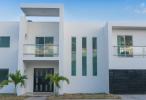 Foto de casa en venta en Merida Centro, Mérida, Yucatán, 21013072,  no 01