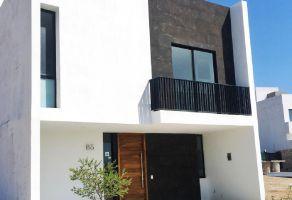 Foto de casa en venta en Arcos de la Cruz, Tlajomulco de Zúñiga, Jalisco, 14944384,  no 01