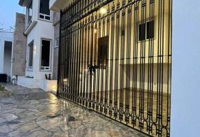 Foto de casa en venta en Ciudad Satélite 5 Sector, Monterrey, Nuevo León, 21322756,  no 01