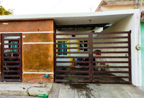 Foto de casa en venta en Ramon F Iturbide, Mazatlán, Sinaloa, 21864213,  no 01