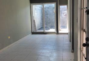 Foto de casa en renta en Nueva las Puentes III, Apodaca, Nuevo León, 22504343,  no 01