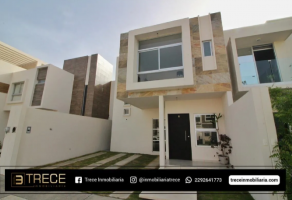 Foto de casa en venta en Graciano Sánchez Romo, Boca del Río, Veracruz de Ignacio de la Llave, 20476526,  no 01