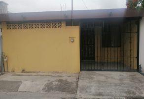 Foto de casa en venta en Villas de Casa Blanca, San Nicolás de los Garza, Nuevo León, 14918821,  no 01