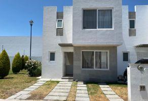 Foto de casa en condominio en renta en Paseos del Bosque, Corregidora, Querétaro, 21000325,  no 01