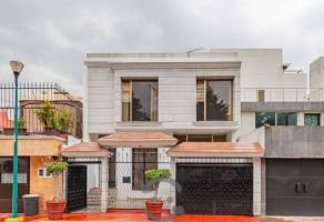 Foto de casa en venta en Jardines de Coyoacán, Coyoacán, DF / CDMX, 11651813,  no 01