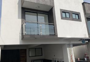 Foto de casa en venta en San Lorenzo Tepaltitlán Centro, Toluca, México, 17320907,  no 01