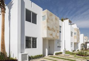 Foto de casa en venta en San Juan Cuautlancingo Centro, Cuautlancingo, Puebla, 21556342,  no 01
