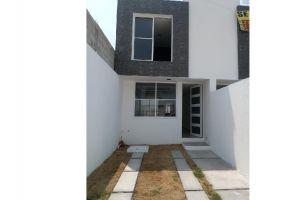 Foto de casa en venta en Arboledas de Loma Bella, Puebla, Puebla, 7305700,  no 01