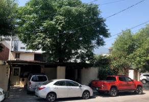 Foto de casa en venta en Del Valle, San Pedro Garza García, Nuevo León, 17260492,  no 01