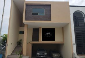 Foto de casa en venta en Cumbres Elite Sector Villas, Monterrey, Nuevo León, 21239020,  no 01