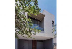 Foto de casa en venta en Girasoles Acueducto, Zapopan, Jalisco, 15239551,  no 01