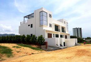 Foto de casa en venta en Granjas del Márquez, Acapulco de Juárez, Guerrero, 16707019,  no 01