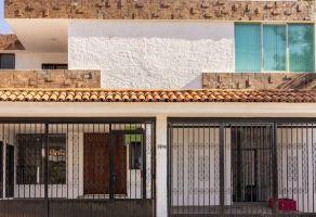 Foto de casa en venta y renta en Conjunto Zapopan, Zapopan, Jalisco, 6774413,  no 01