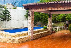 Foto de casa en venta en La Fama, Santa Catarina, Nuevo León, 15401770,  no 01