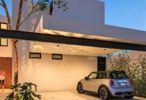 Foto de casa en venta en Algarrobos Desarrollo Residencial, Mérida, Yucatán, 21830541,  no 01