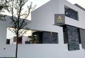 Foto de casa en venta en Loma Bonita, Monterrey, Nuevo León, 19699884,  no 01
