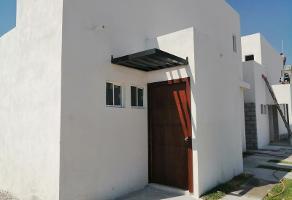 Foto de casa en venta en  , ampliación otilio montaño, gómez palacio, durango, 12425270 No. 01