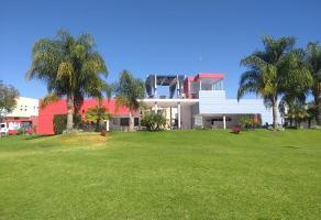 Foto de casa en venta en avenida casa fuerte 158, el alcázar (casa fuerte), tlajomulco de zúñiga, jalisco, 0 No. 01
