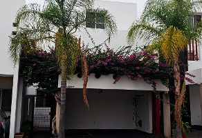 Foto de casa en venta en avenida manuel avila camacho , jacarandas, zapopan, jalisco, 0 No. 01