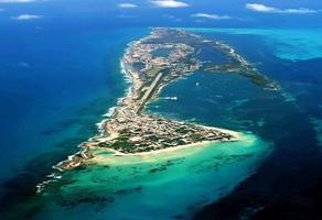 Foto de terreno comercial en venta en avenida perimetral poniente , isla mujeres, isla mujeres, quintana roo, 7264616 No. 01