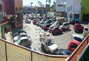 Foto de local en venta en avenida vallarta , las granjas, chihuahua, chihuahua, 0 No. 01