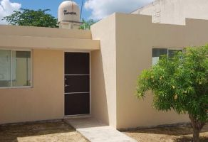 Foto de casa en venta en Diamante Paseos de Opichen, Mérida, Yucatán, 15240128,  no 01