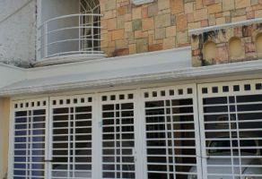 Foto de casa en venta en Jardines de La Paz, Guadalajara, Jalisco, 15524285,  no 01