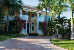 Foto de casa en venta en Chablekal, Mérida, Yucatán, 13746540,  no 01