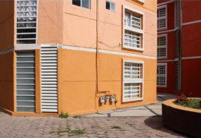 Foto de departamento en venta en Los Claustros, Querétaro, Querétaro, 14474502,  no 01
