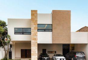 Foto de casa en venta en Del Valle, San Pedro Garza García, Nuevo León, 17502031,  no 01