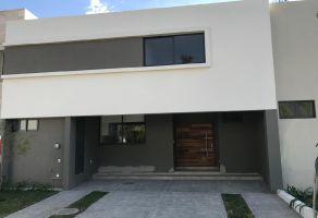 Foto de casa en venta en Jardín Real, Zapopan, Jalisco, 13729557,  no 01