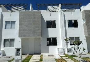 Foto de casa en renta en casa en renta fraccionamiento con alberca tres cantos cuautlancingo, puebla , san juan cuautlancingo centro, cuautlancingo, puebla, 0 No. 01