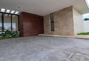Foto de casa en venta en  , chichi suárez, mérida, yucatán, 0 No. 01