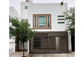 Foto de casa en venta en  , cumbres santa clara 2 sector, monterrey, nuevo león, 11313113 No. 01