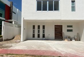 Foto de casa en venta en Arcos de la Cruz, Tlajomulco de Zúñiga, Jalisco, 15524663,  no 01