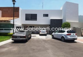 Foto de casa en renta en Privada Bugambilias, Querétaro, Querétaro, 21256643,  no 01