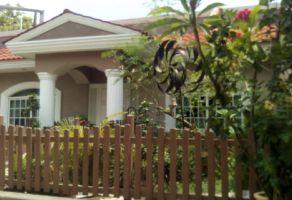 Foto de casa en venta en Independencia, Uruapan, Michoacán de Ocampo, 20412196,  no 01