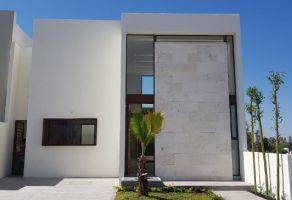 Foto de casa en venta en Loma Juriquilla, Querétaro, Querétaro, 15003014,  no 01