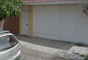 Foto de casa en venta en Zona de Oro del Bajío, Celaya, Guanajuato, 21000911,  no 01