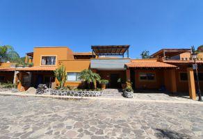 Foto de casa en venta en San Antonio Tlayacapan, Chapala, Jalisco, 17147114,  no 01