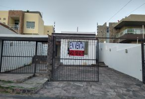 Foto de casa en venta en Lomas del Pedregal, Irapuato, Guanajuato, 18741800,  no 01