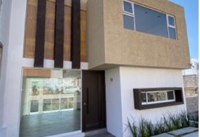 Foto de casa en venta en Ejido Jesús del Monte, Morelia, Michoacán de Ocampo, 21156121,  no 01