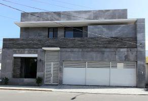 Foto de casa en venta en Del Valle, San Pedro Garza García, Nuevo León, 15522522,  no 01