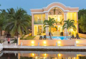 Foto de casa en venta en Solidaridad, Solidaridad, Quintana Roo, 14705233,  no 01