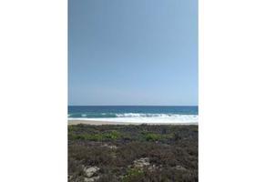 Foto de terreno habitacional en venta en  , escobilla, santa maría tonameca, oaxaca, 0 No. 01